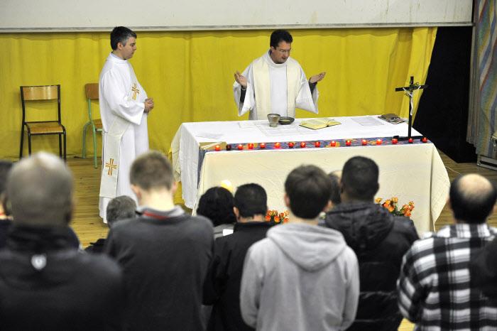 Messe dominicale à la Maison d'Arrêt de Bois d'Arcy