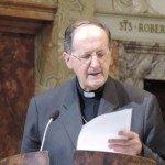Cardinal Stella s'adresse aux diacres
