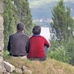retraite-couple-priere-nature